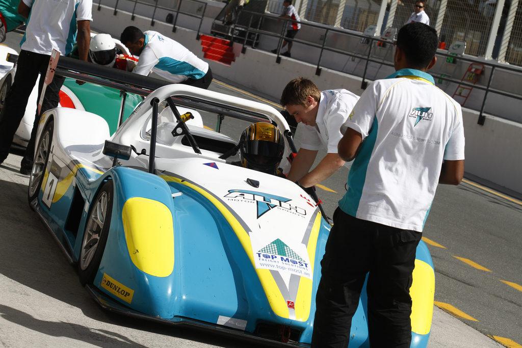 Radical SR3 UAE -2010-11-12-4